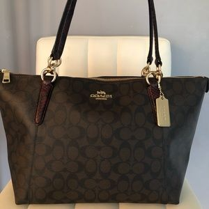 100% Authentic Tote Bag! Negotiable!!